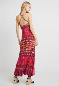 Desigual - VEST GRETA - Maxi šaty - red - 3