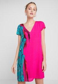 Desigual - VEST WALING - Robe d'été - pink - 0