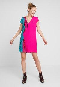 Desigual - VEST WALING - Robe d'été - pink - 1