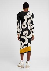 Desigual - MOREMORE - Strikket kjole - black - 2
