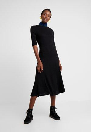 VEST LAUREN - Strikket kjole - black