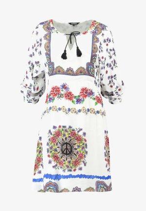LINETTE - Korte jurk - blanco