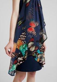 Desigual - BUTTERFLY - Sukienka letnia - azafata - 6