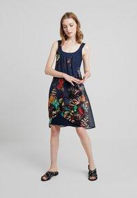Desigual - BUTTERFLY - Sukienka letnia - azafata - 2