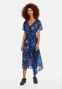 Desigual - Robe longue - blue - 0