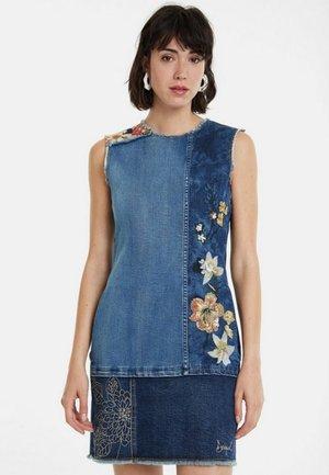 VEST_ILONA - Sukienka jeansowa - blue