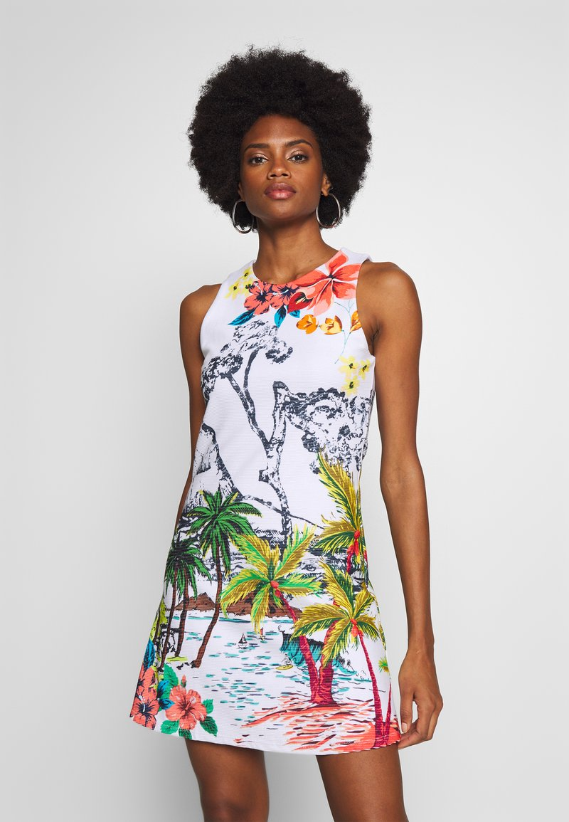 Desigual - TROPICAL PACIFIC - Jersey dress - blanco