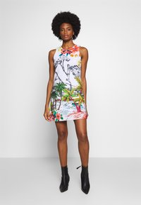 Desigual - TROPICAL PACIFIC - Jersey dress - blanco - 1