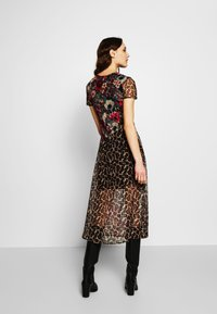 Desigual - VEST CALGARY - Shirt dress - marron - 2