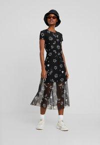 Desigual - AUSTIN - Korte jurk - black - 2