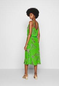 Desigual - VEST NEIDA - Korte jurk - lime green - 2