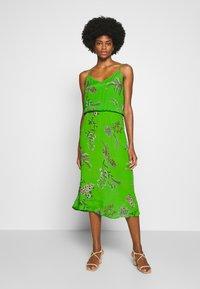 Desigual - VEST NEIDA - Korte jurk - lime green - 0