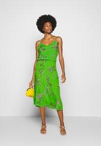 Desigual - VEST NEIDA - Korte jurk - lime green - 1