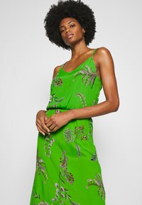 Desigual - VEST NEIDA - Korte jurk - lime green - 3