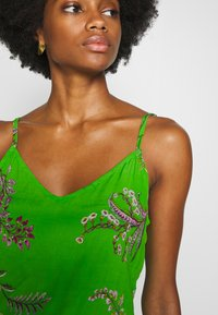 Desigual - VEST NEIDA - Korte jurk - lime green - 6