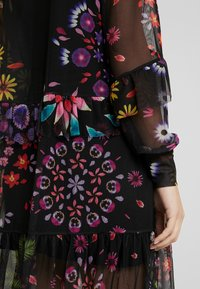 Desigual - VEST PORTLAND - Sukienka letnia - black - 6