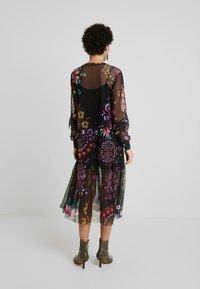 Desigual - VEST PORTLAND - Sukienka letnia - black - 3