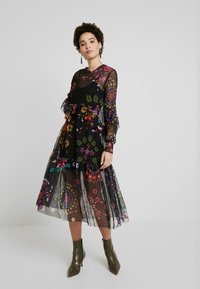 Desigual - VEST PORTLAND - Sukienka letnia - black - 0