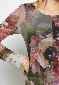 Desigual - VEST ARLES - Maxi šaty - green - 6