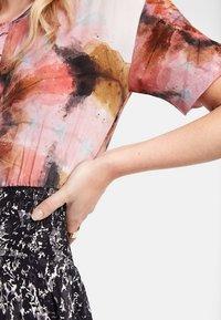 Desigual - Robe longue - black/red - 3