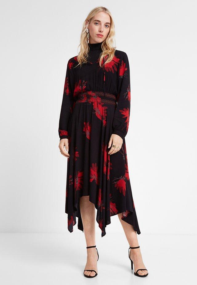 BUTTERFLY - Korte jurk - red