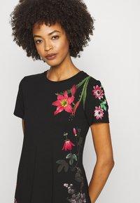 Desigual - CAROLINE - Robe en jersey - black - 4