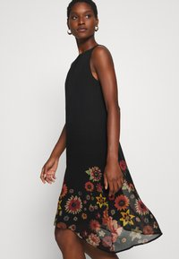 Desigual - VEST LUGANO DESIGNED BY MR CHRISTIAN LACROIX - Sukienka letnia - black - 4