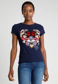 Desigual - NOA - Print T-shirt - blue - 0