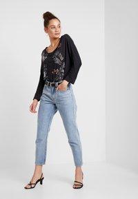 Desigual - KEILA - T-shirt à manches longues - gris vigore oscuro - 1