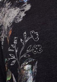 Desigual - KEILA - T-shirt à manches longues - gris vigore oscuro - 4