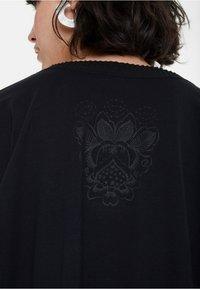 Desigual - TS_ADASH - Bluzka z długim rękawem - black - 4