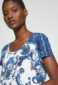Desigual - MELIAN - T-shirt imprimé - azul dali - 4