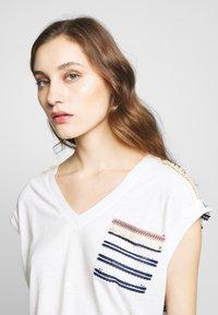 Desigual - VERONA - T-shirts print - crudo - 4