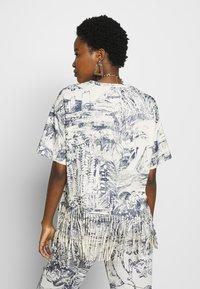 Desigual - ISLA - Camiseta estampada - crudo - 2