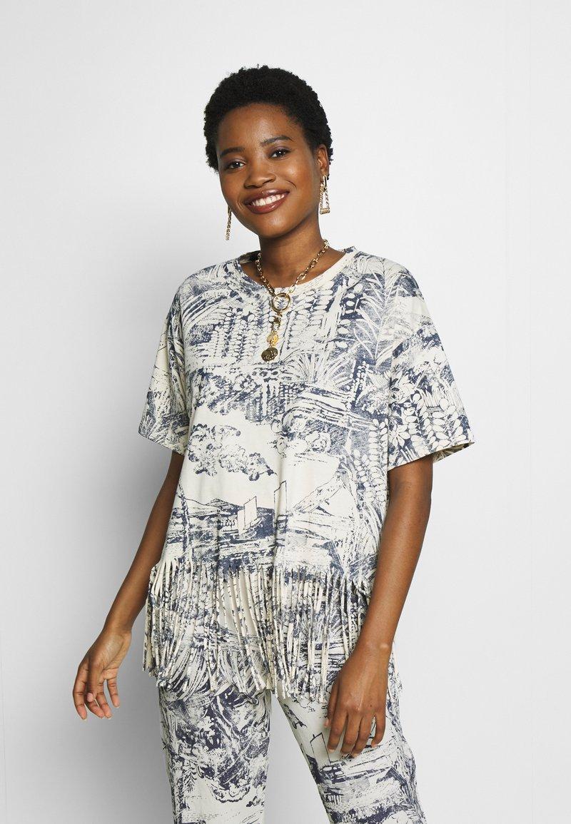 Desigual - ISLA - Camiseta estampada - crudo