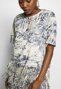 Desigual - ISLA - Camiseta estampada - crudo - 3