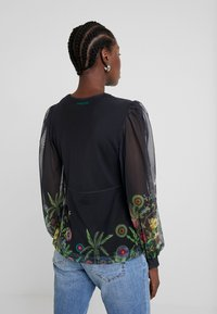 Desigual - THESSE - Long sleeved top - verde botella - 2