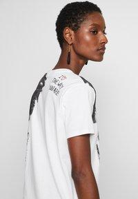 Desigual - T-shirt print - blanco - 4