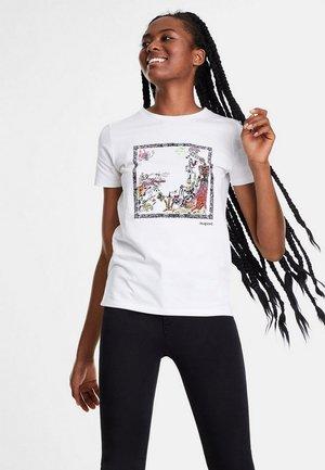 CLEOPATRA - T-shirt z nadrukiem - white