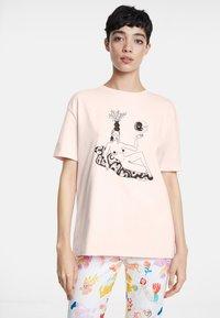 Desigual - DESIGNED BY MIRANDA MAKAROFF - Print T-shirt - red - 0