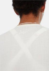 Desigual - BLUS_LUNA - Camicetta - white - 3