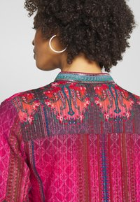 Desigual - CAMASIS - Button-down blouse - granate medio - 3