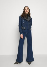 Desigual - CHAQ DENIS - Giacca di jeans - denim medium dark - 1
