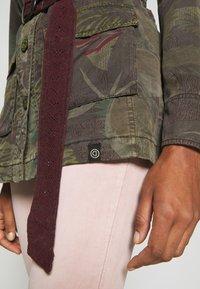 Desigual - CHAQ CAWAII - Lehká bunda - verde militar - 5