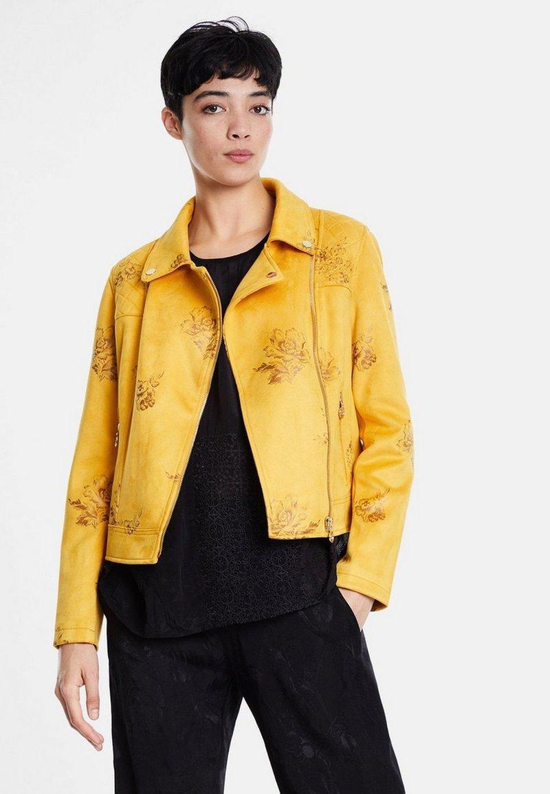 Desigual - CHAQ DELAWARE - Imiteret læderjakke - yellow