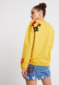 Desigual - LONDON - Sweatshirts - artisan - 2