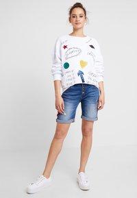 Desigual - MONI - Sweatshirt - blanco - 1