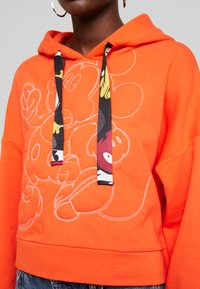 Desigual - MICKEY - Sweat à capuche - rojo pop