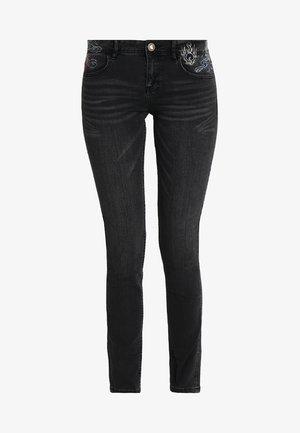 REFRIP - Jeans slim fit - denim black wash