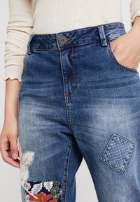Desigual - HONG KONG - Jeans relaxed fit - blue denim - 4